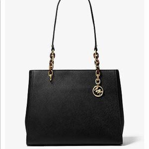💕NWT Michael Kors Sofia Large Leather Tote Black